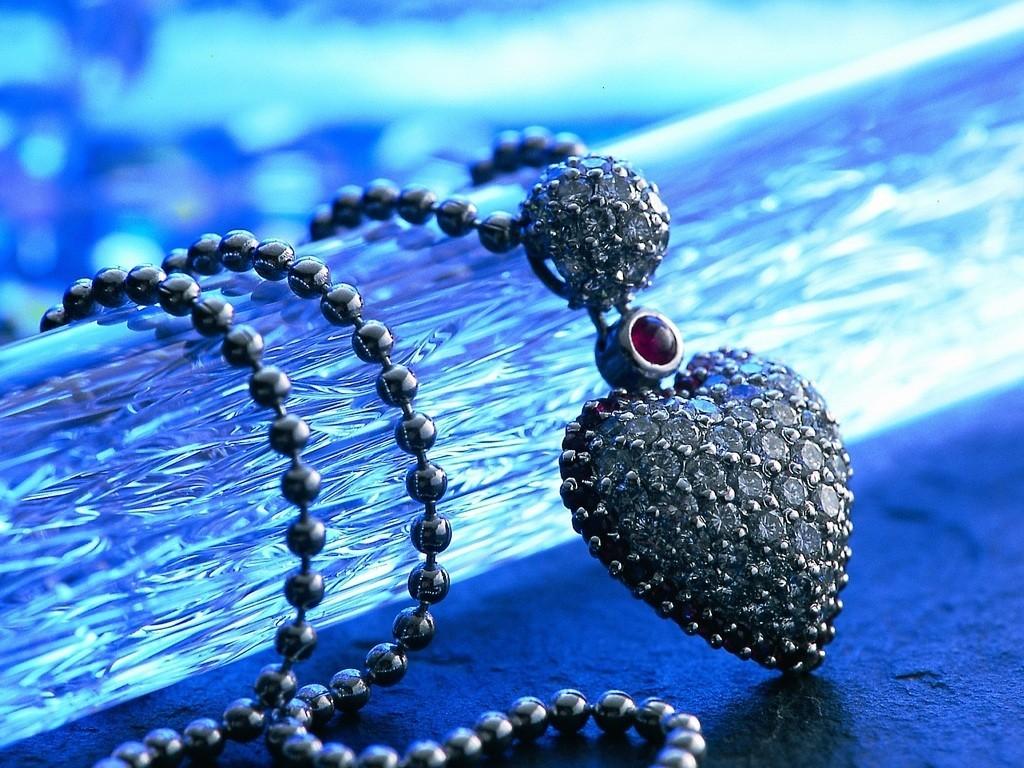 http://4.bp.blogspot.com/-xc-geCdtV8E/T9TCU-bdf9I/AAAAAAAACKw/ER3VUGHjIXc/s1600/jewelry_wallpapers_061.jpg