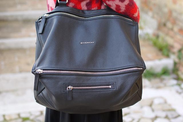 Givenchy Pandora large black bag, Pandora bag, Fashion and Cookies, fashion blogger