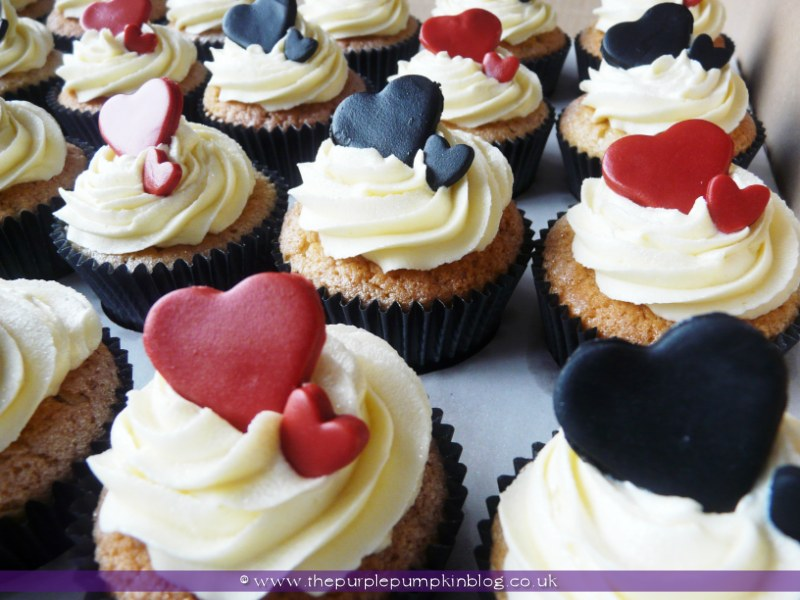 Black Red Amp White Heart Wedding Cupcakes The Purple