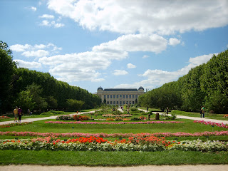 Holiday Fans travel the World RTW -family activities Budget Travel Paris Parks and Gardens in Paris