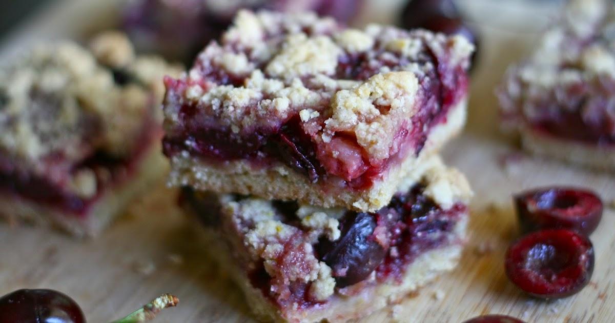 Bake - a - holic: Fresh Cherry Crumb Bars