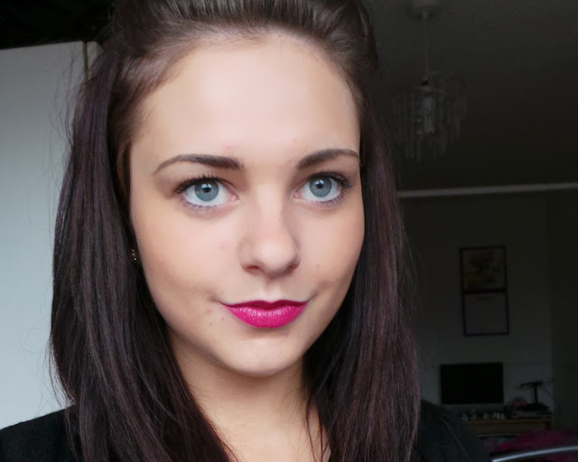 Review Swatch Maybelline Superstay 14hr Lipsticks - Stay With Me Coral & Persistantly Pink