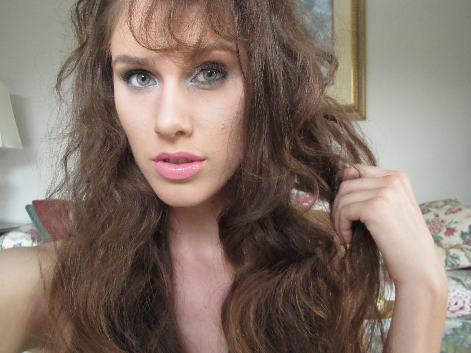 http://4.bp.blogspot.com/-xdHWzN5omzA/TosuE6jvVeI/AAAAAAAAAh0/l9r-678cnpM/s1600/leona-lewis-official-music-video-collide-avicci-photo-picture-makeup-tutorial-look-how-to-cosmetics-make-up-leona-lewis-435435-diamondsandheels14.jpg