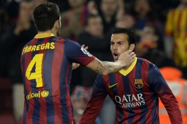 Jose, Cesc đong đưa Pedro