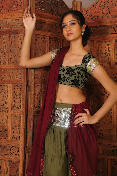 sindhu affan without saree in spicy shoot cute stills