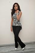 Vithika sheru latest glam pics-thumbnail-16