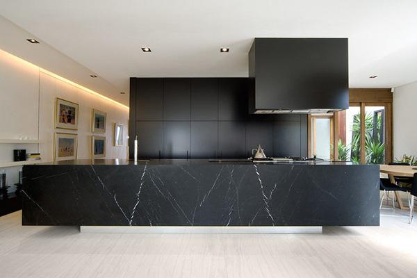 que encimera elegir en la cocina -isla de cocina mármol negro