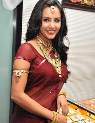 Priya Anand in Saree at Nac Jwellers Photo Gallery