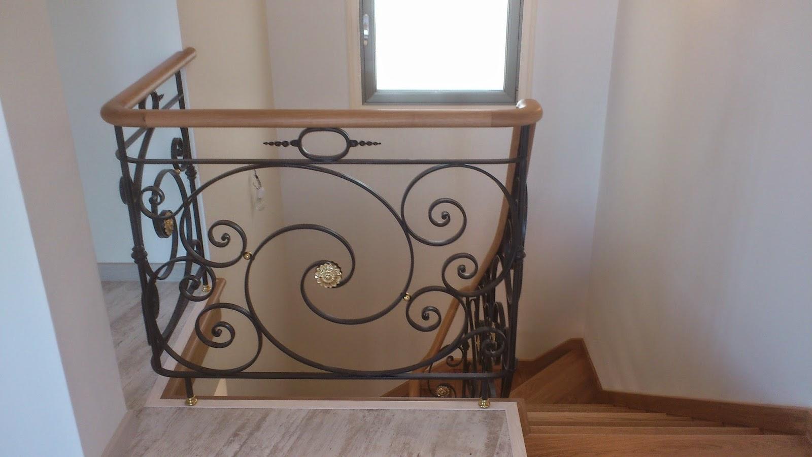 Escaleras y pasamanos escaleras de madera con pasamanos - Cabeceros de forja y madera ...