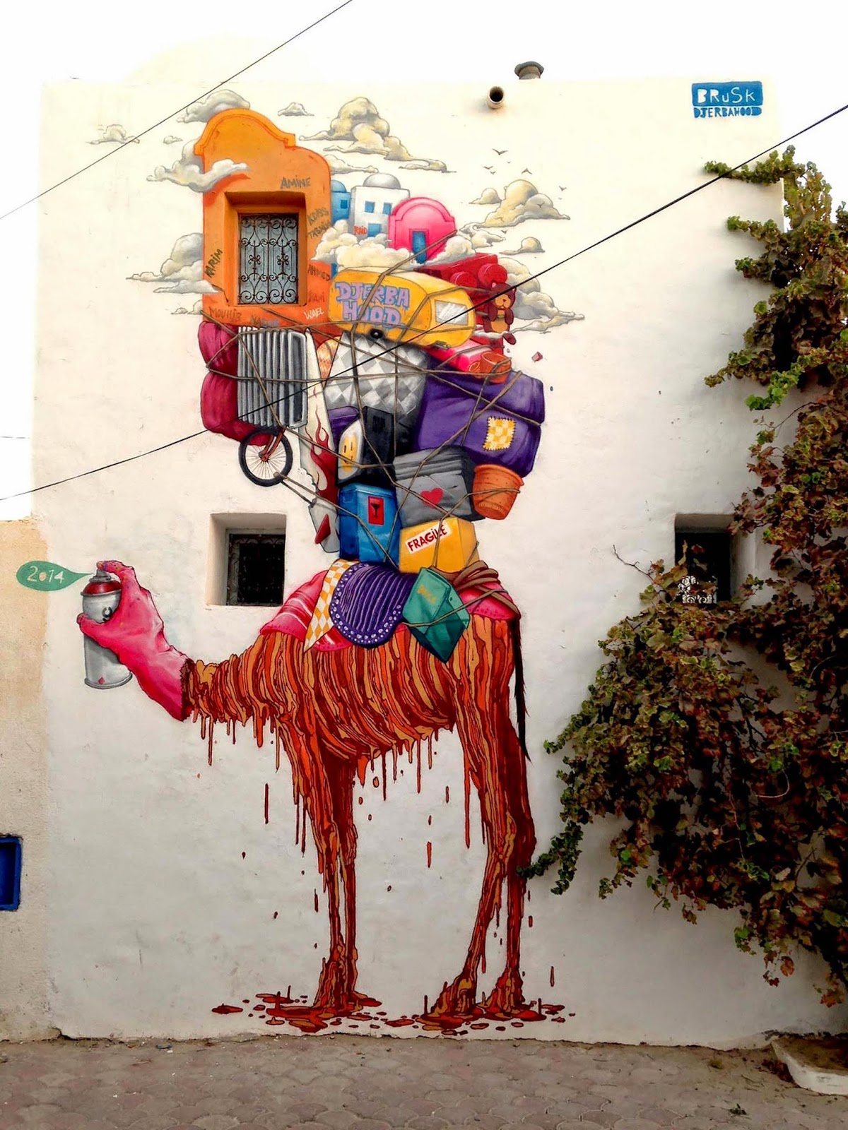 Brusk is also in Tunisia where he was invited to paint for the Djerbahood Project organised by Galerie Itinerrance.