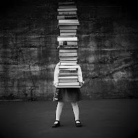 libros, fuerza, gargando