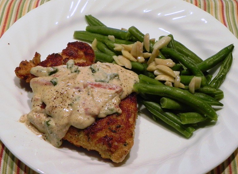 The Iowa Housewife: Chicken in Basil Cream