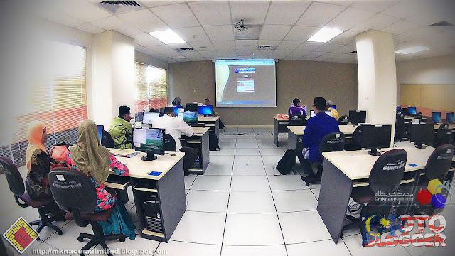 Taklimat dan Latihan Penggunaan Aplikasi Atas Talian Galeri Kecemerlangan JPN Johor