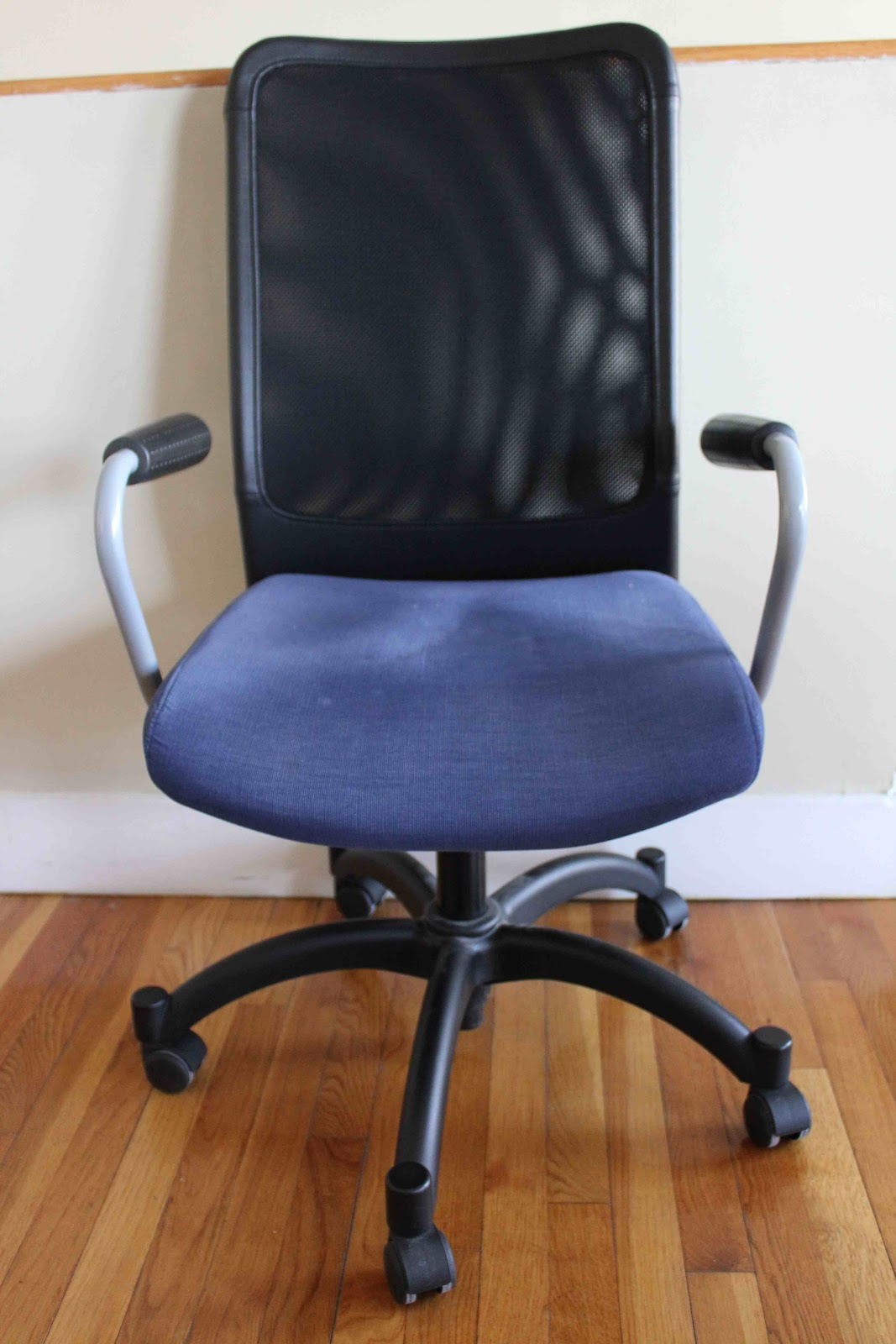 IKEA Swivel Chair With Armrests. Breathable Black Mesh Back And Navy Fabric  On Seat. Comfortable, Adjustable, In Great Condition.