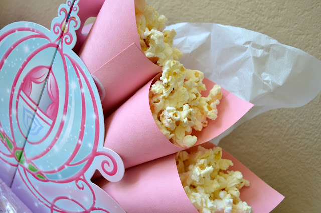 Mommy Testers Disney Princess #DreamParty snack caddy with DIY popcorn cones