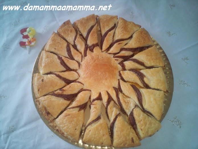 ricetta-fiore-di-pasta-sfoglia-con-nutella