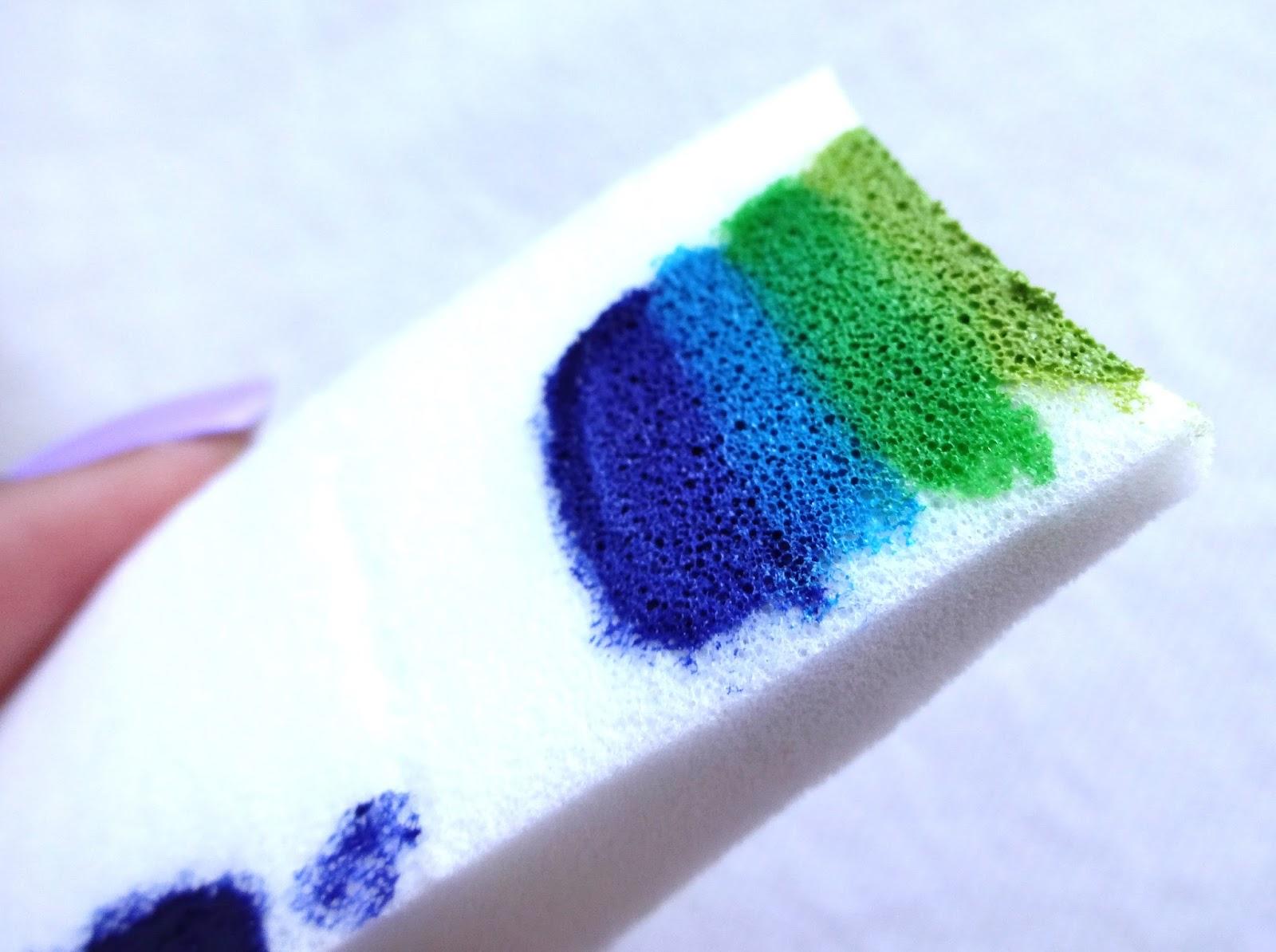 Paint gradient on sponge