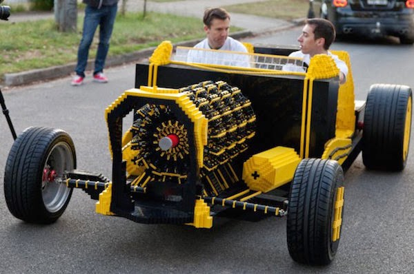 10 Best Incredible LEGO Creation