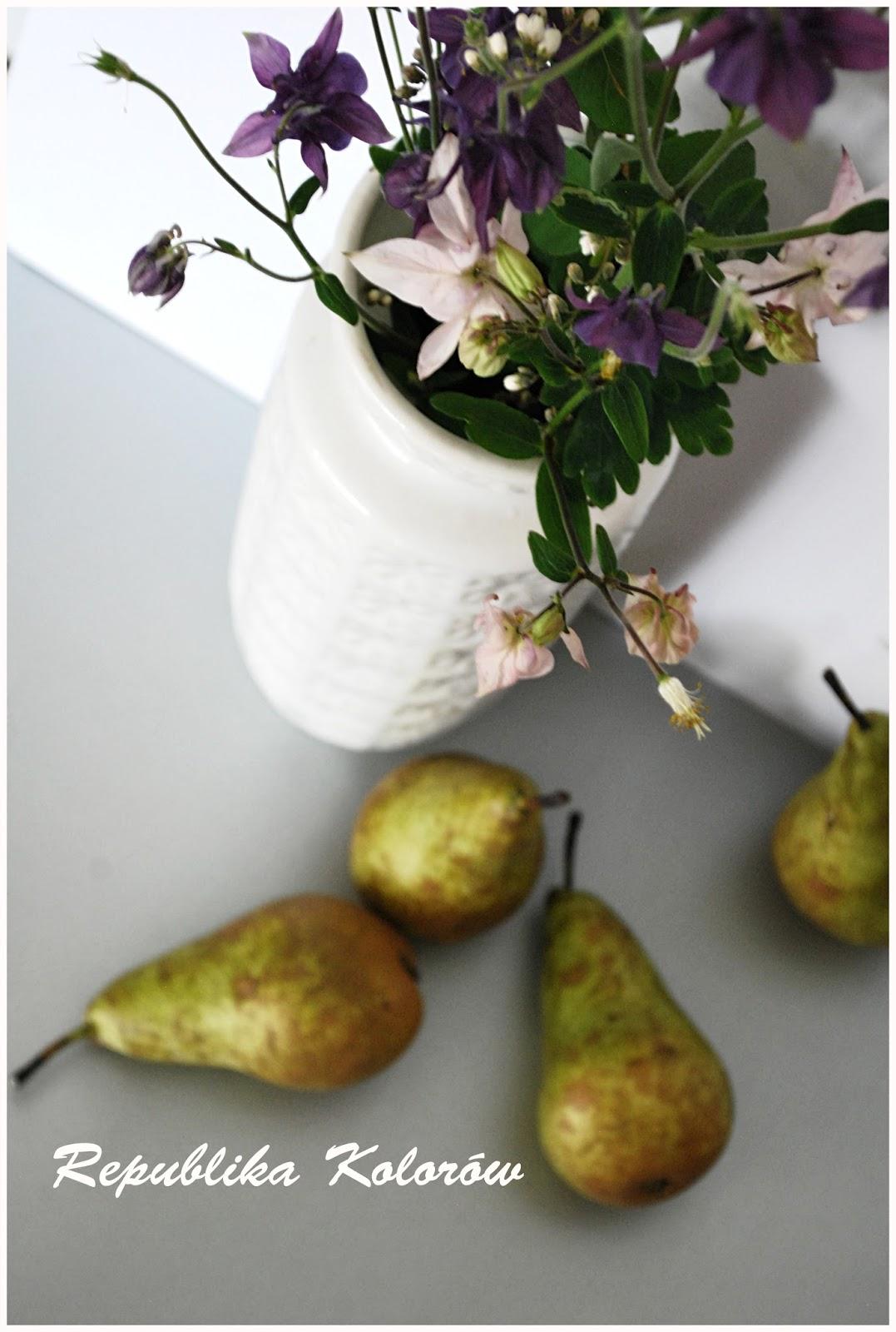 biały wazon