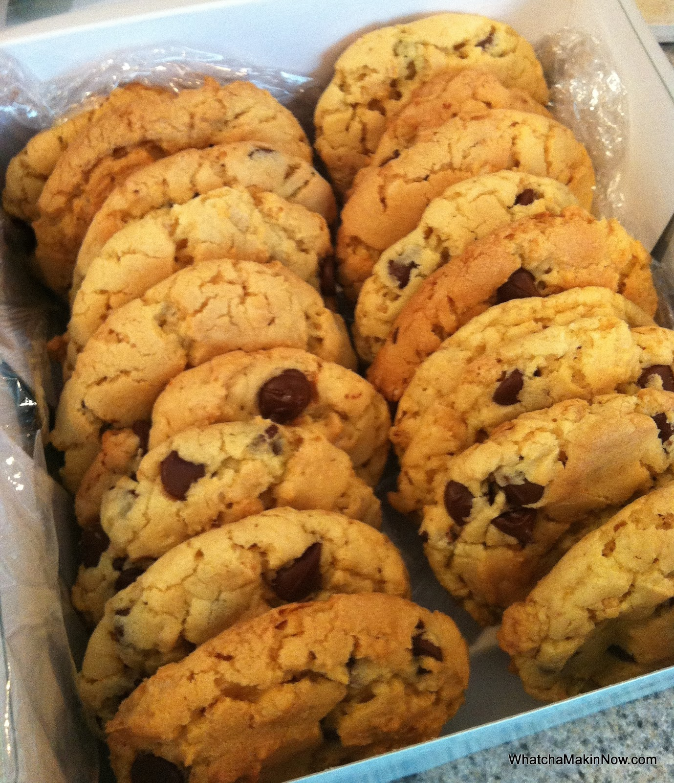 Whatcha Makin' Now?: Chocolate Chip Crunch Cookies (Cake Mix Cookies)