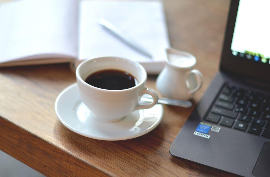 blogi modowe | blogerka modowa |efekt aureoli | efekt odniesienia do ja