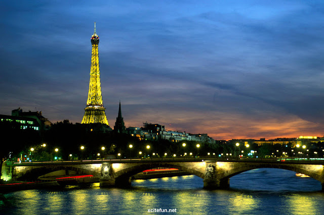 1001archives eiffel tower most famous tower of world for Names of famous towers