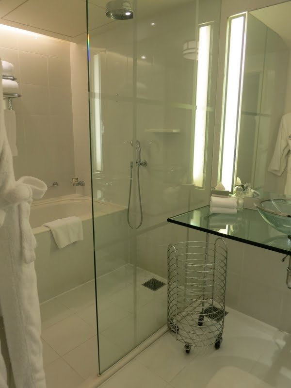 This Is A Bathroom At The Fairmont Hotel In Singapore I Thought It Was An Ingenious Way To Treat Small Everything Glass Even Counter