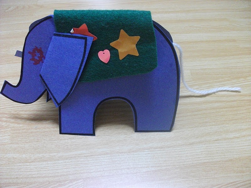 paper elephant stand