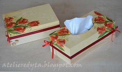 pudełka w tulipany