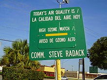 Signboard in Gulfton, Houston indicating an ozone watch (Credit: en.wikipedia.org) Click to enlarge.