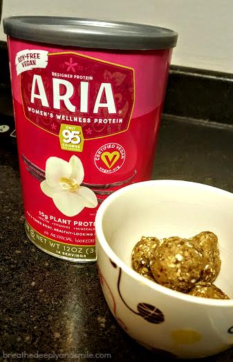 vanilla-cookie-protein-bite-designer-protein-1