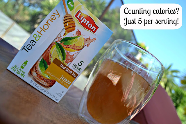 Arnold Palmer cocktail with Lipton Tea & Honey packets from Walmart 5 calories #FamilyTeaTime