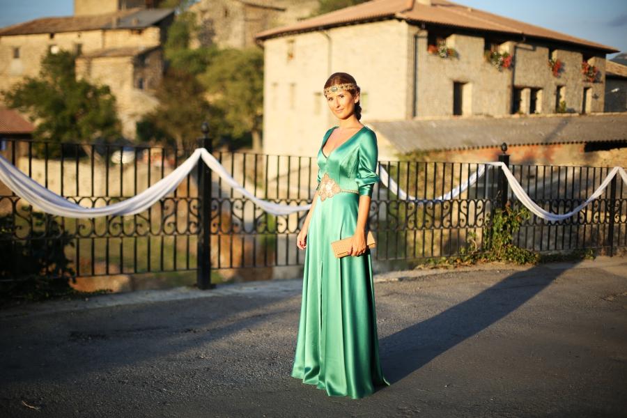blog de moda y lifestyle: look invitada de boda: vestido largo verde