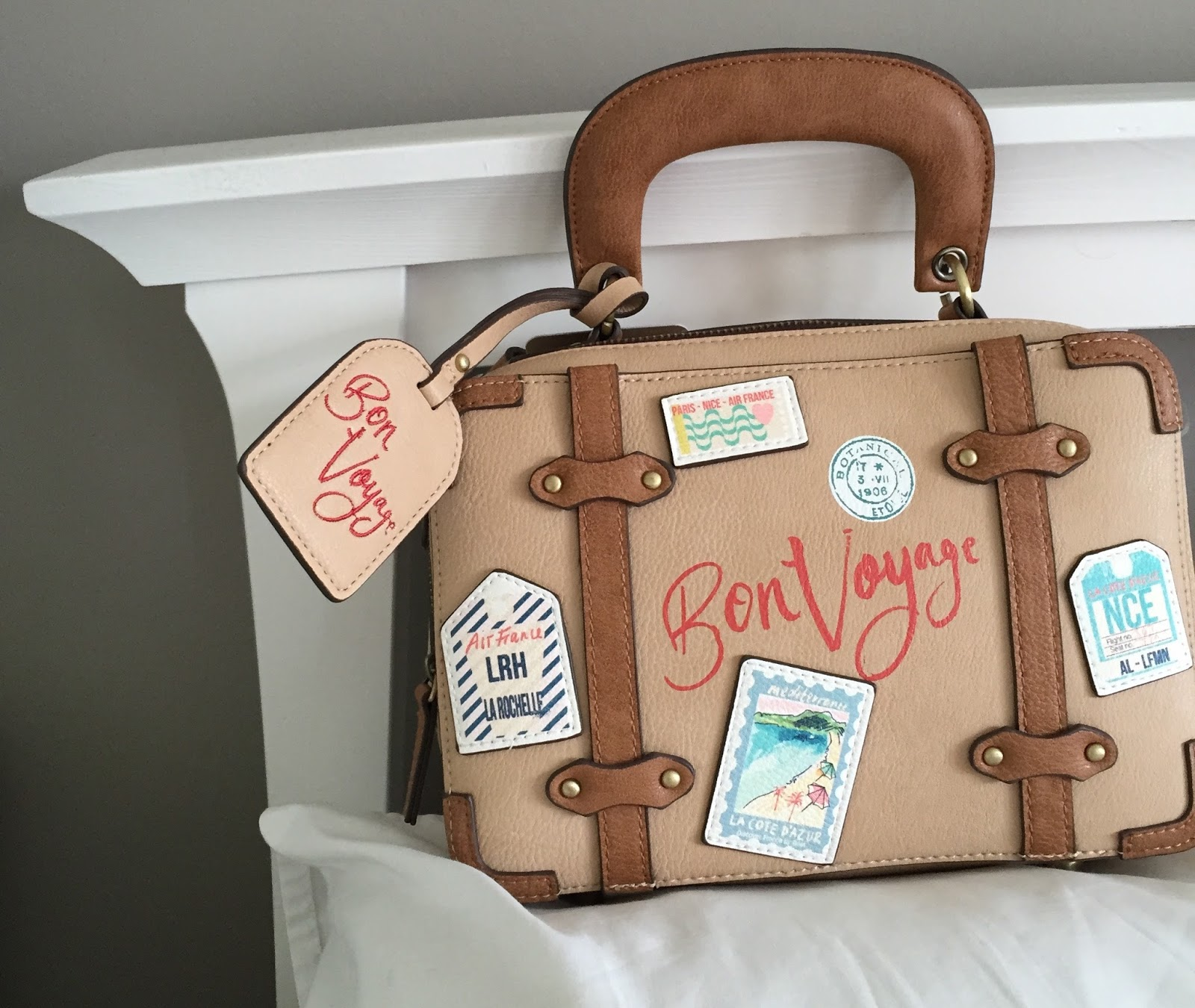 accessorize bon voyage travel bag