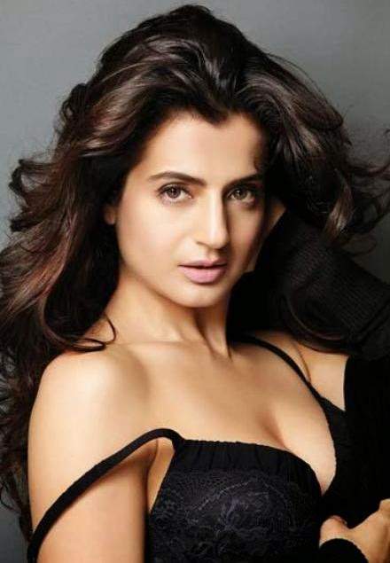 Ameesha Patel Hot Photos in Maxim India Magazine
