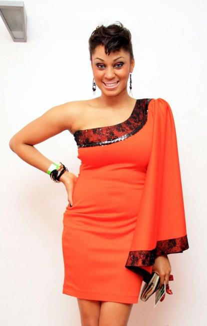 Ladun Liadi Blog: Amateur singer, Irene rocks the same