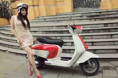 asian girls on scooter motor