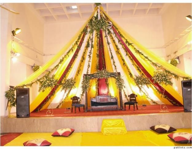 music function on wedding party - College Christmas Party Decorations