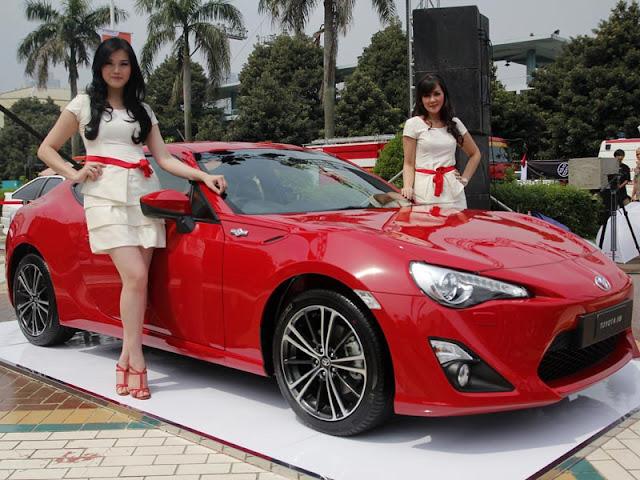 gambar mobil termahal di indonesia}