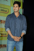 Mahesh Babu At Idea Student Awards-thumbnail-5