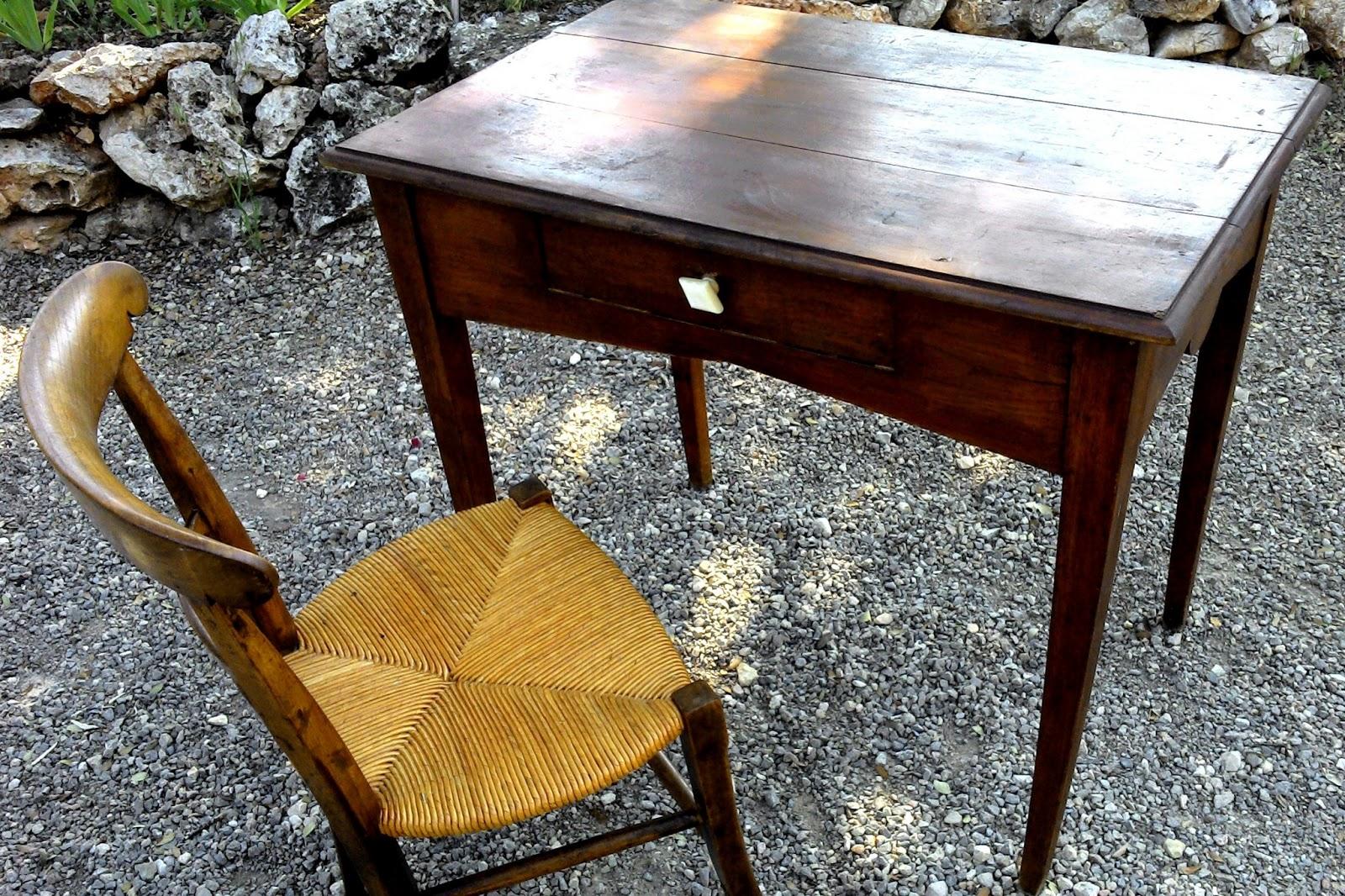 ancien bureau rustique poignee porcelaine chaise ronce de. Black Bedroom Furniture Sets. Home Design Ideas