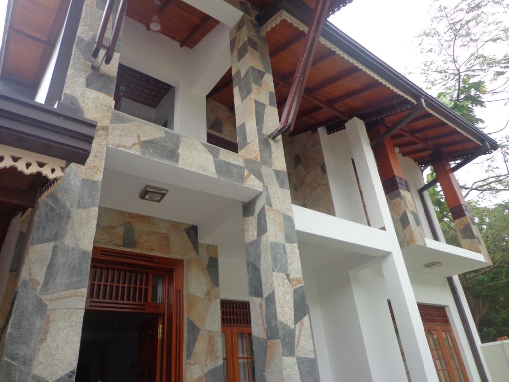 Properties in sri lanka 1021 2 storeyed luxury for Architecture design house in sri lanka