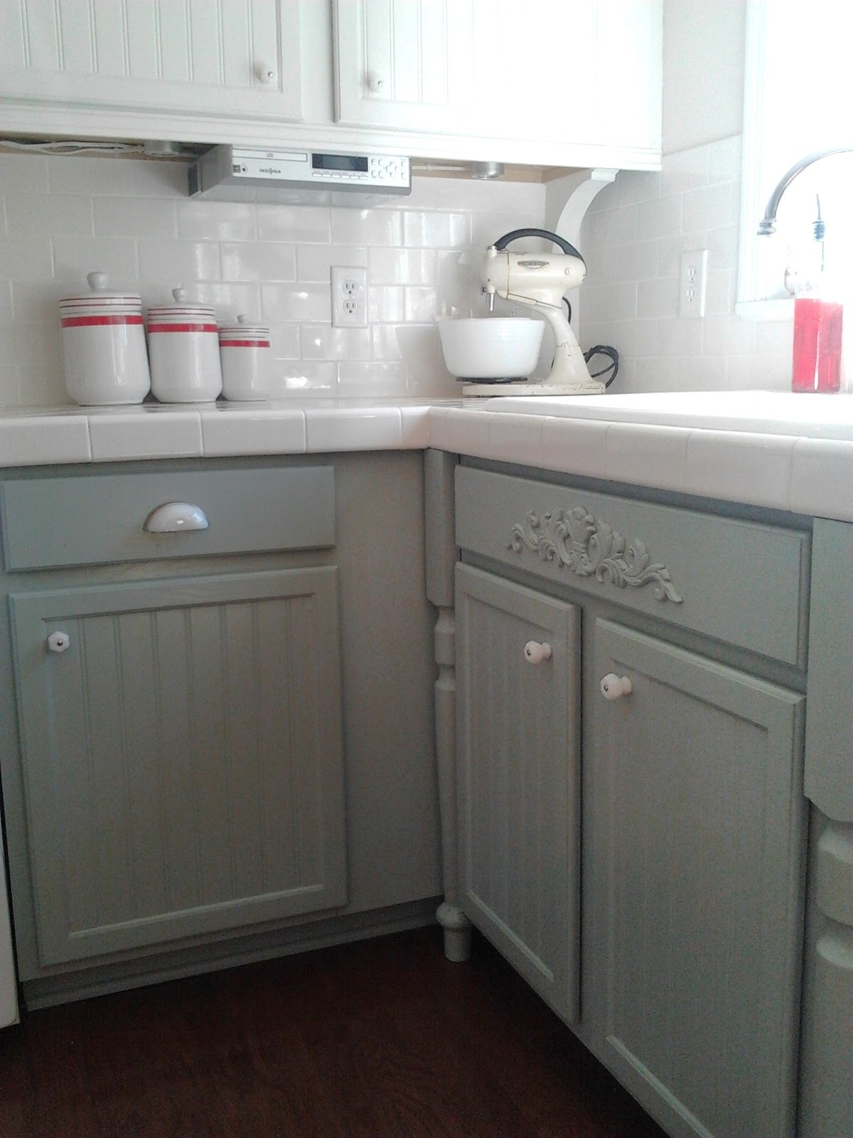 Remodelaholic painting oak cabinets white and gray for Grey and white kitchen cabinets