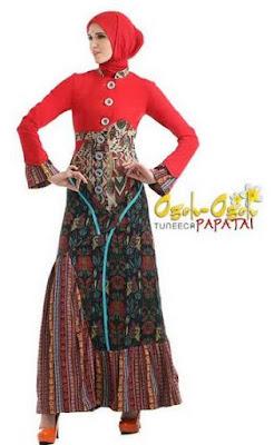 Baju muslim merah variasi batik mempesona image