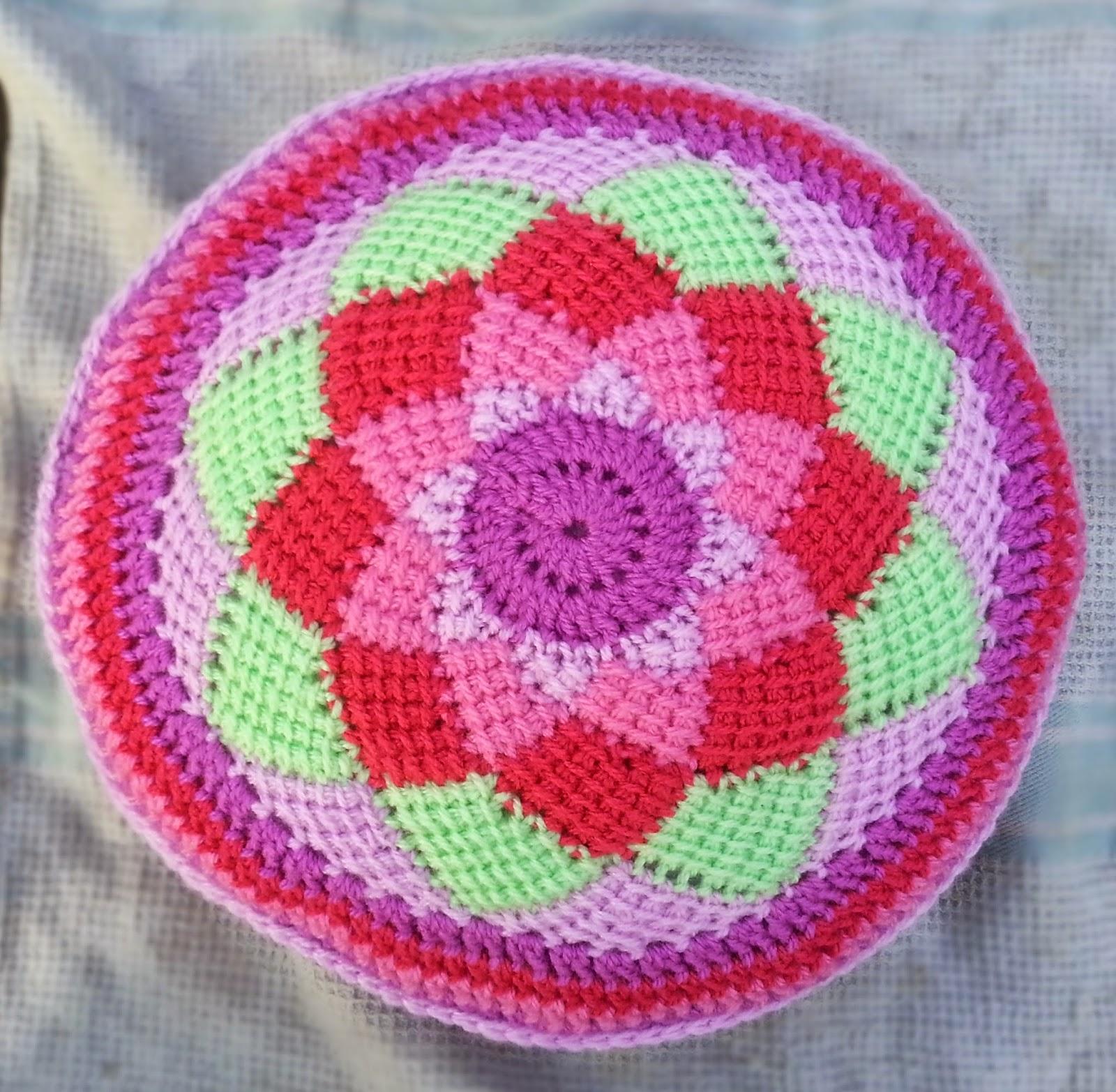Tunisian Crochet Pattern Maker : Hooking Crazy: Tunisian Entrelac Circle Cushion