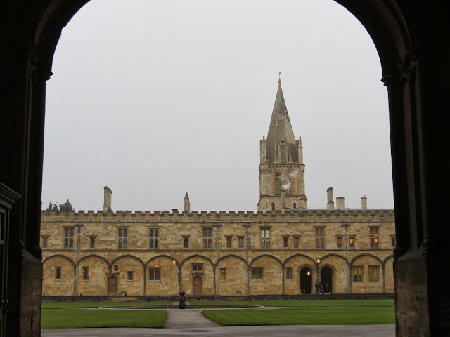 Christ church college oxford quad