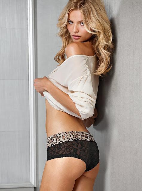 Magdalena Frackowiak  bikini