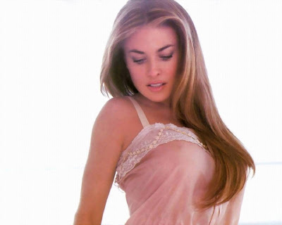 carmen electra hot photos