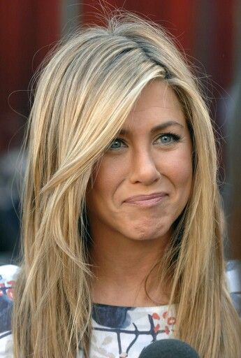 JENNIFER ANISTON'S CLASSIC DIRTY BLONDE LOOK
