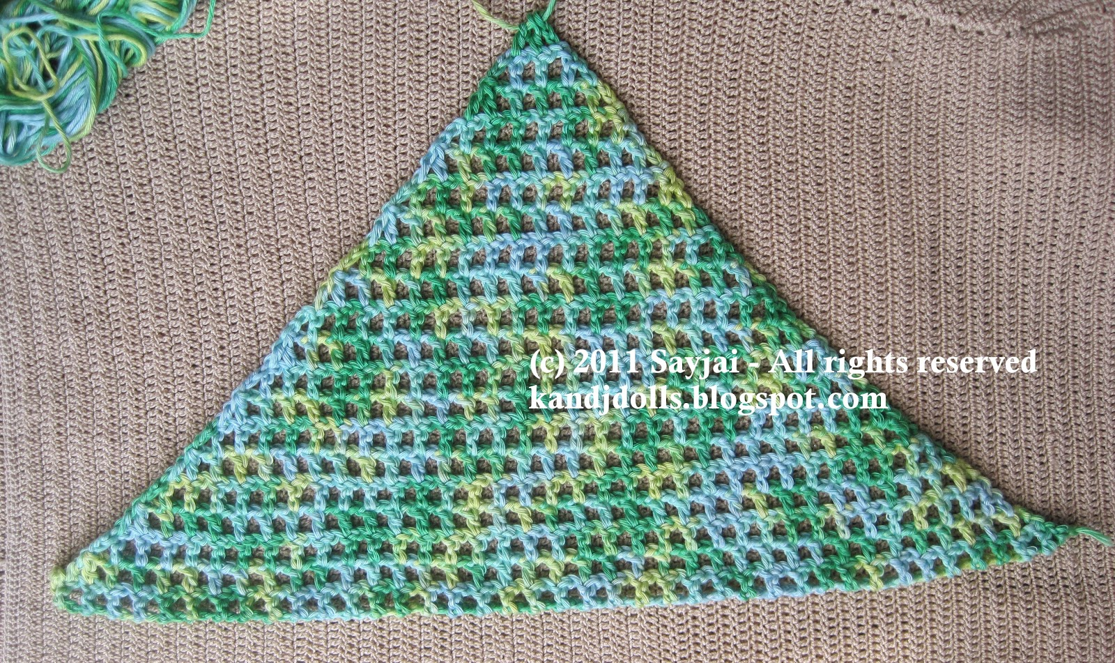 Crochet Triangle : Crocheted Triangle Fashions - Welcome to the Craft Yarn Council